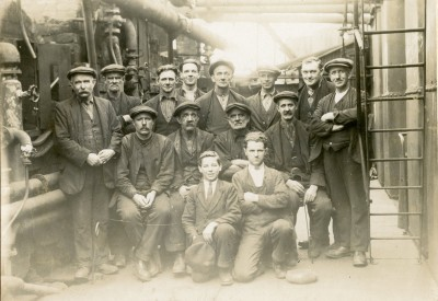 Photograph of workers at Pumpherston Refinery image