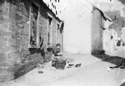Fisher woman in Kinghorn image