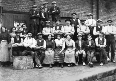 Glenboig brickworkers photograph image