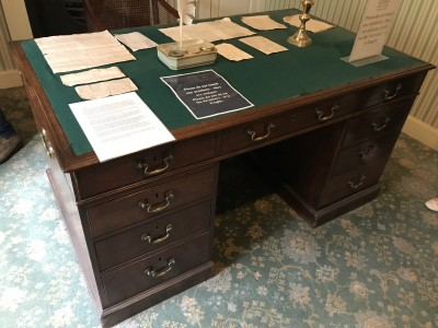 Robert Owen's desk image