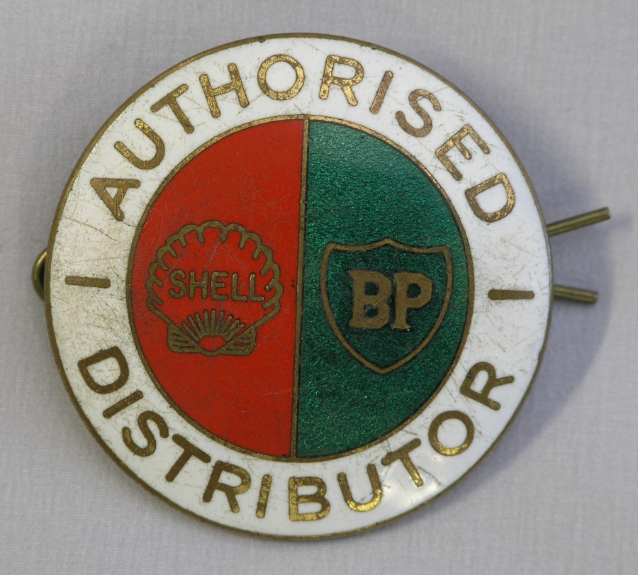enamelled badge