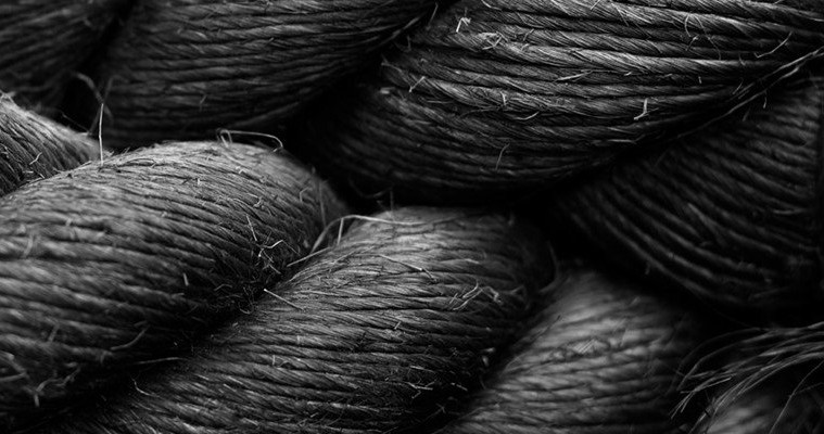 closeup image of rope in black and white