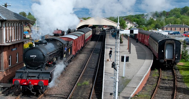 platform and steam trains at bo'ness