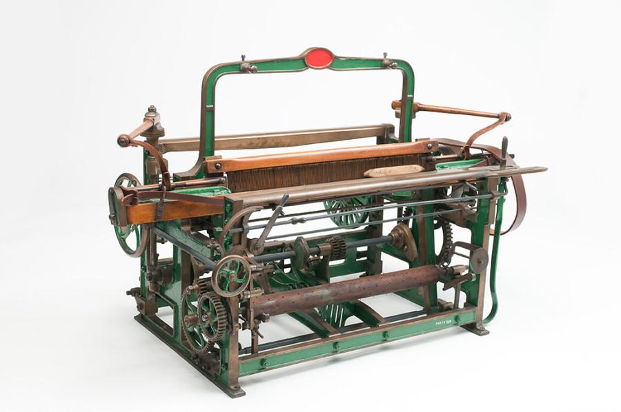 Model loom
