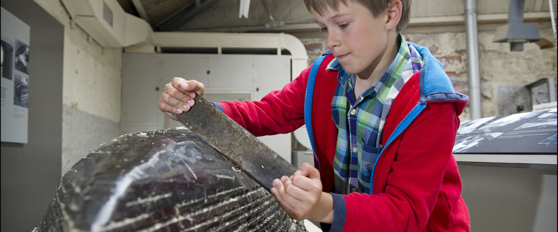 Scottish Maritime museum, Smoothing and carving a real wax hull model image